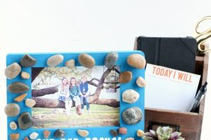 Our Dad Rocks Picture Frame – Father's Day Gifts