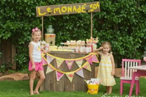 Girls Selling Lemonade_Giggles Galore1