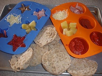 Muffin Tin Monday – Make Your Own Pizza