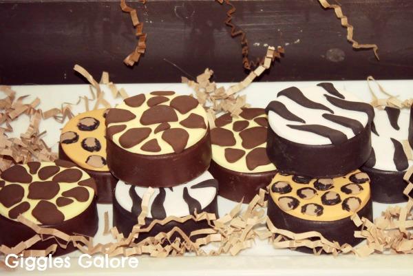 Safari chocolate covered oreos1