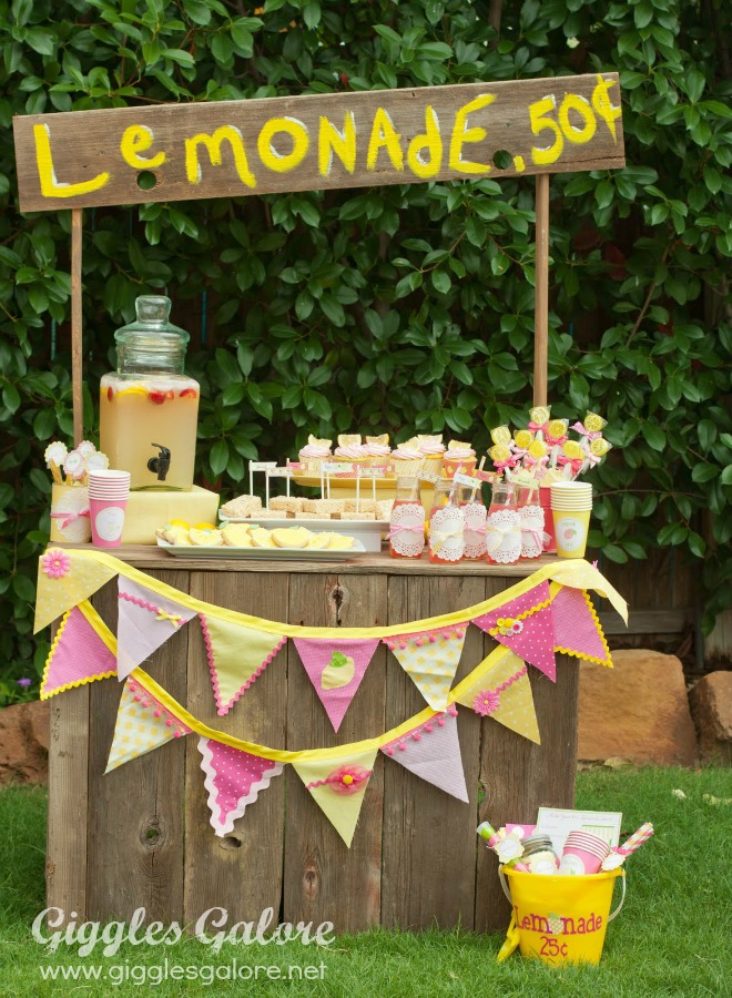 Friday feature lemonade stand bloom designs for Cool lemonade stand ideas