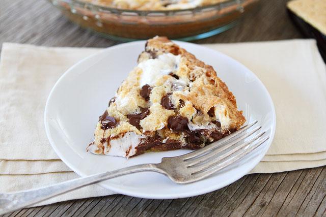 Tasty-Kitchen-Blog-Smores-Pie-00