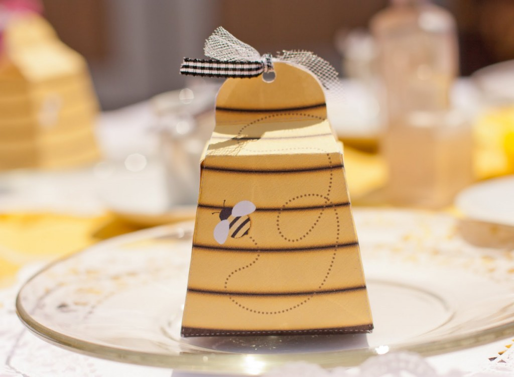 Beehive Party Favor Box