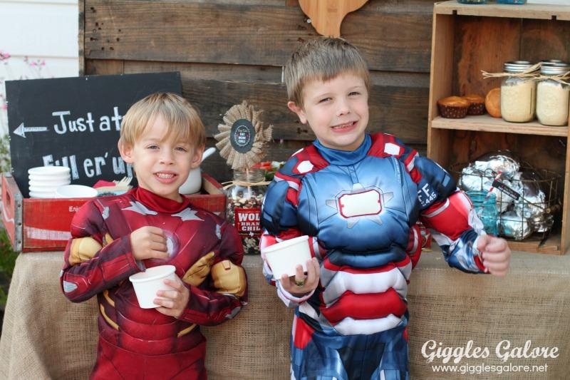 Chili Bar Party_Superheros