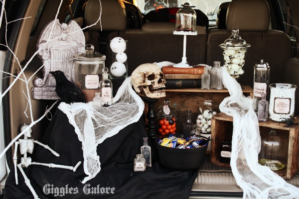 Trunk or Treat Witches Display