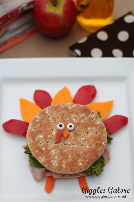 Kids Thanksgiving Turkey Sandwich