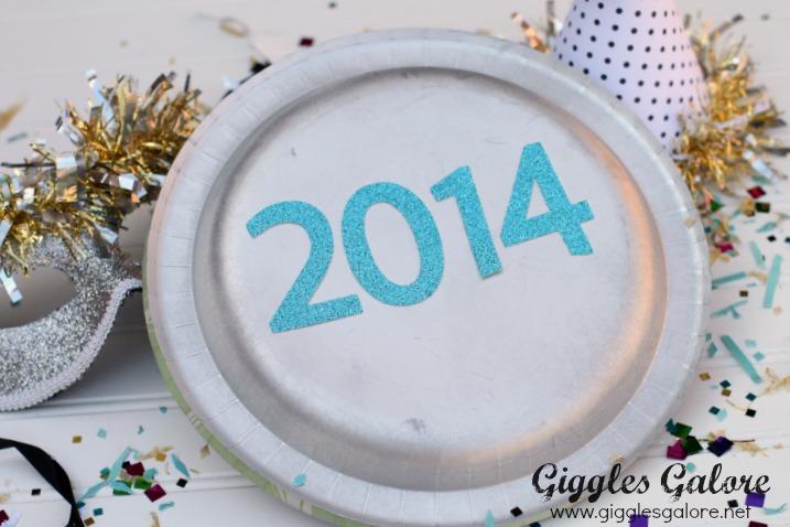 2014 Paper Plate Noise Maker