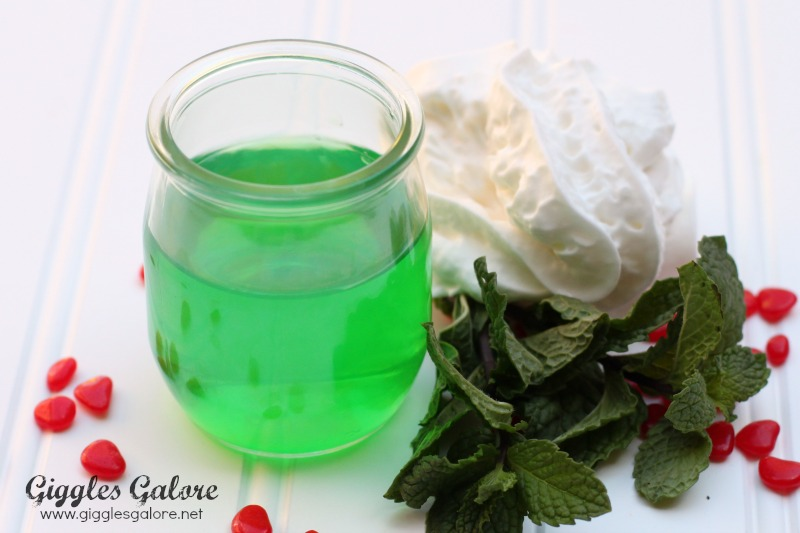 Mistletoe Jello Dessert Ingridients