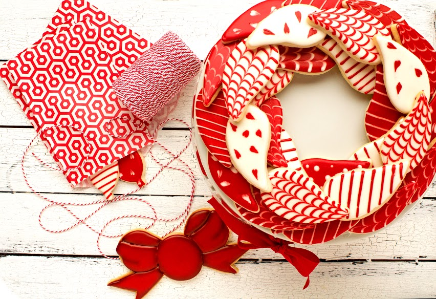 Simple Red and White Christmas Wreath Cookies via www.thebearfootbaker.com