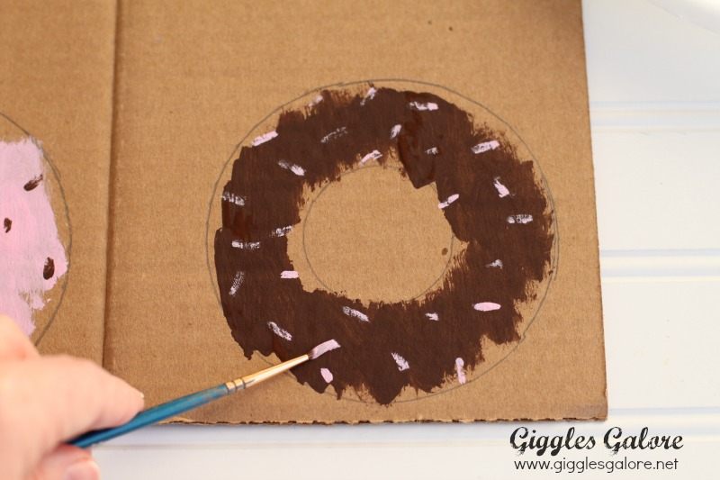 Putting Sprinkles on DIY Donut Party Banner