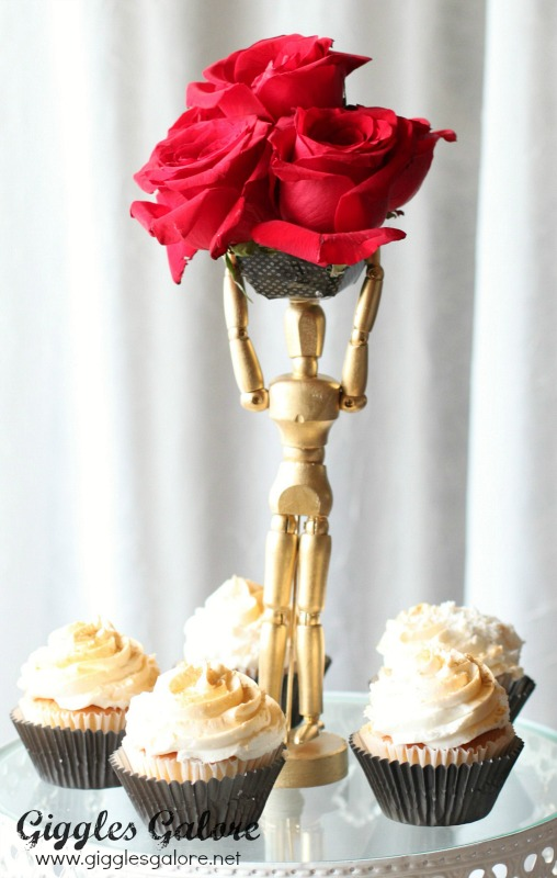 DIY Oscar Flower Centerpiece