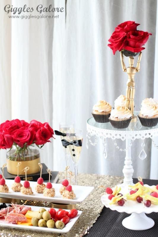 Oscar Party Ideas Table Setting