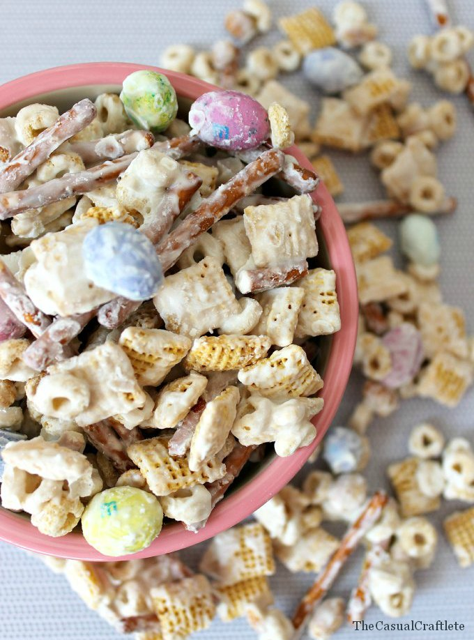 White-Chocolate-Party-Mix-Recipe1