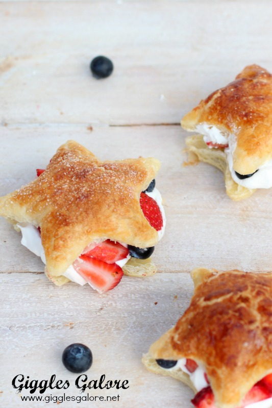 Star Spangled Dessert_Puff Pastry Sandwich