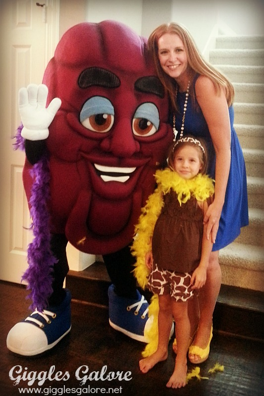Hanging with the California Raisin
