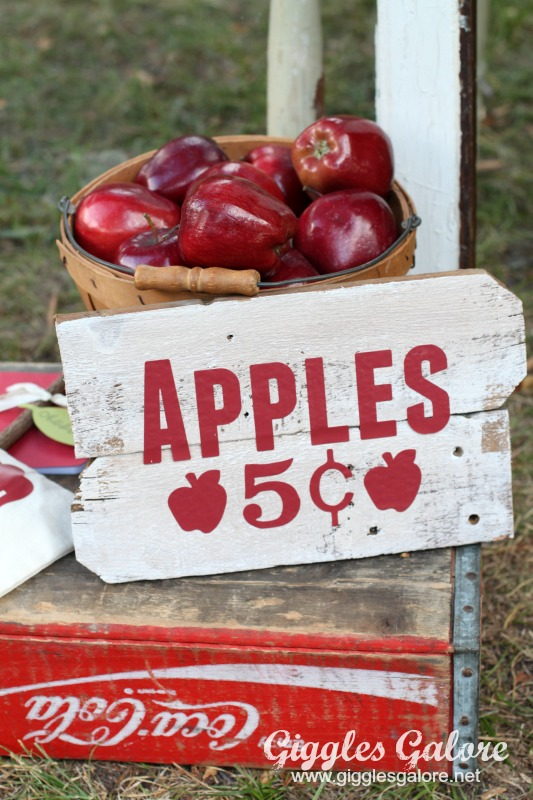 Apple Picking Sign