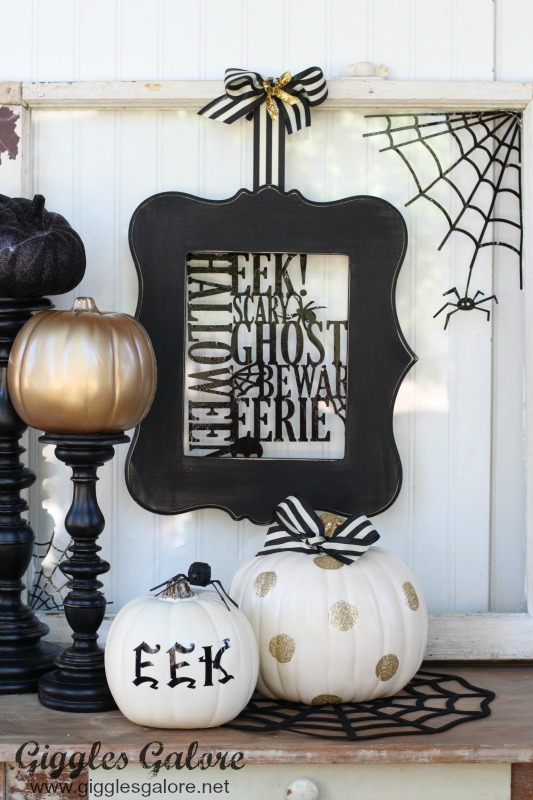 Black and White Halloween Vignette