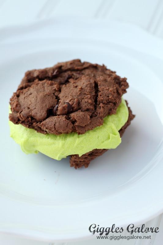 Sandwich Cookie