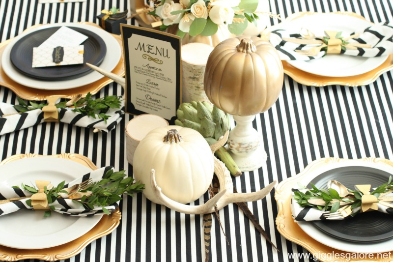 Black and White Thanksgiving Table with Cricut