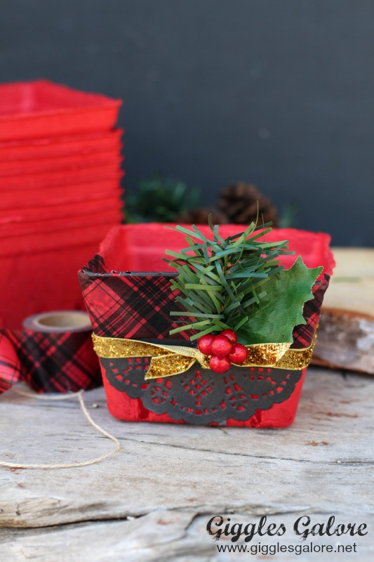 Christmas Gift Package_Red Berry Basket
