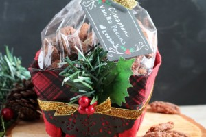 Christmas Gift_Cinnamon Vanilla Candied Pecans