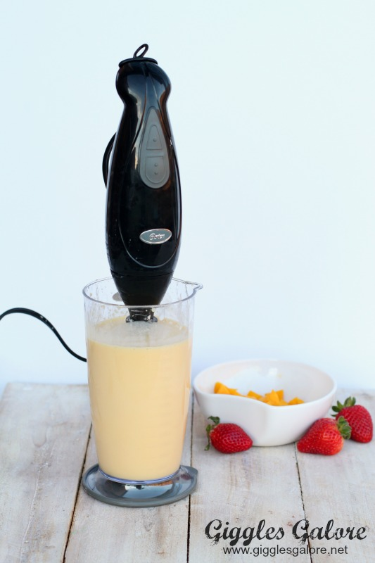 Handmixer Creamsicle Breakfast Smoothie