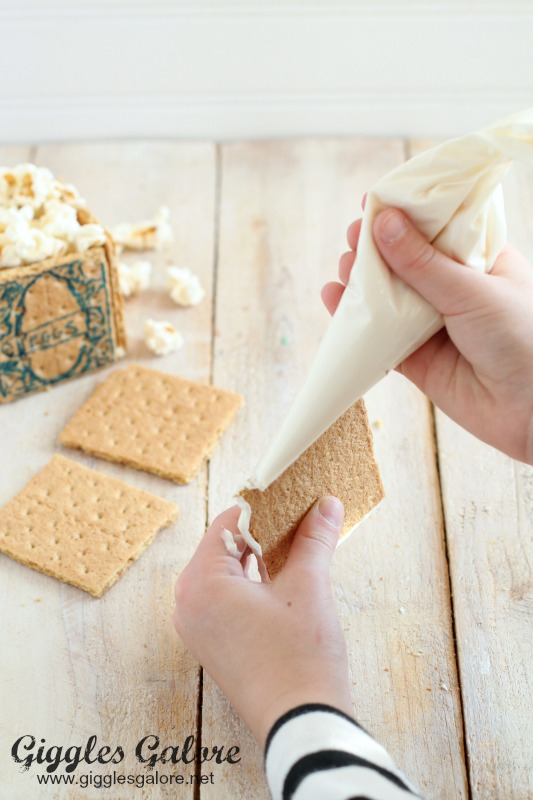 Edible Popcorn Boxes_Icing