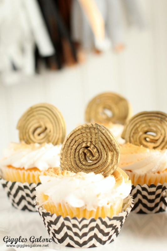 Oscar Entertaining_Movie Reel Cupcakes