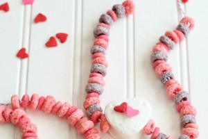 Valentine Marshmallow Necklace_Giggles Galore