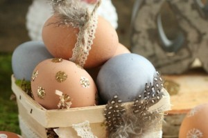 Natural Easter Egg Decorating Ideas
