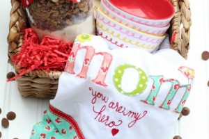 DIY Mothers Day Gift Basket_Giggles Galore