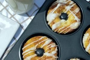 Cinnamon Swirl Cake Doughnuts