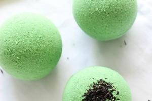Green-Tea-Bath-Bombs-homemade-bath-fizzy-with-hydrating-green-tea2