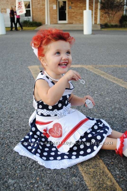 18 amazing diy halloween costumes giggles galore diy i love lucy halloween costume solutioingenieria Gallery