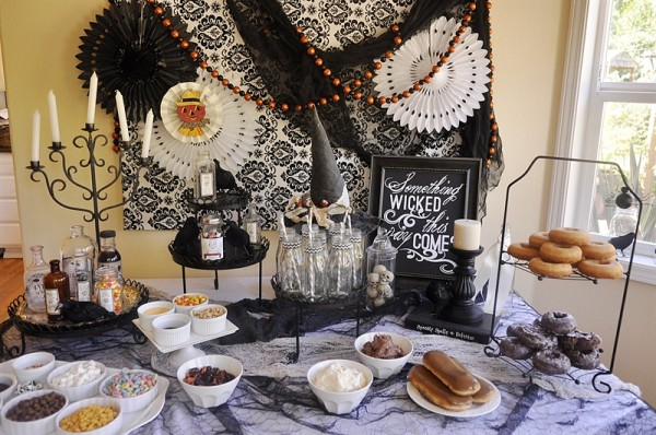 Decorate your own Halloween Donuts Party