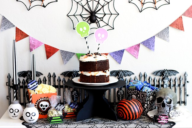 pin this perfectly spooky halloween party and how to throw it - Throw A Halloween Party