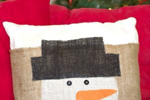 DIY Burlap Snowman Pillow Cover