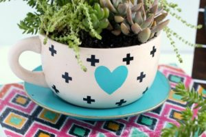 DIY Tea Cup Succulent Planters