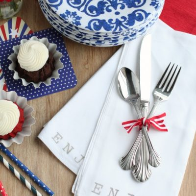 Summer Entertaining Tip: Cloth Napkins vs. Paper