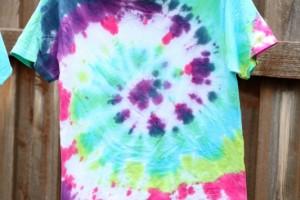 Kids Crafts: Tie Dye T-shirts