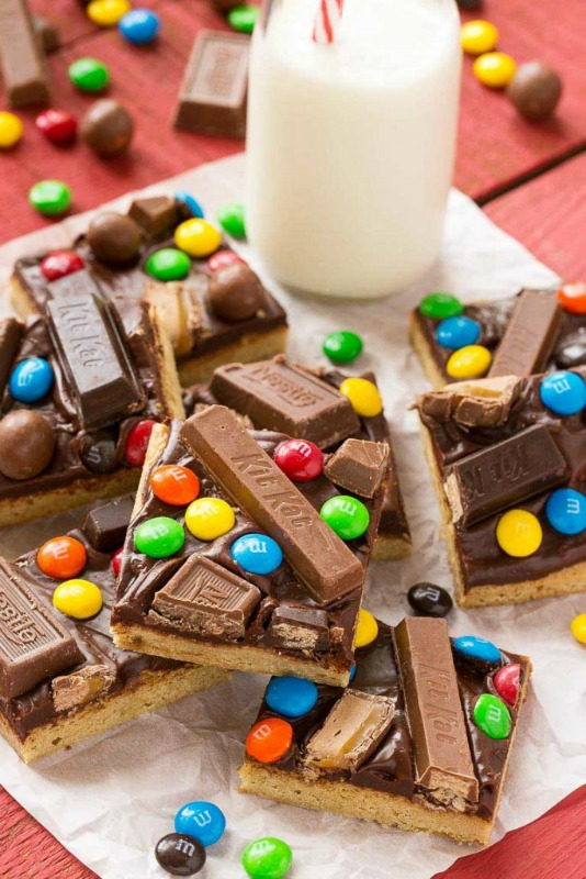 Candy Bar Blondies, Leftover Halloween Candy Recipes