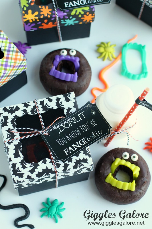 donut-you-know-youre-fangtastic-halloween-donut-treat