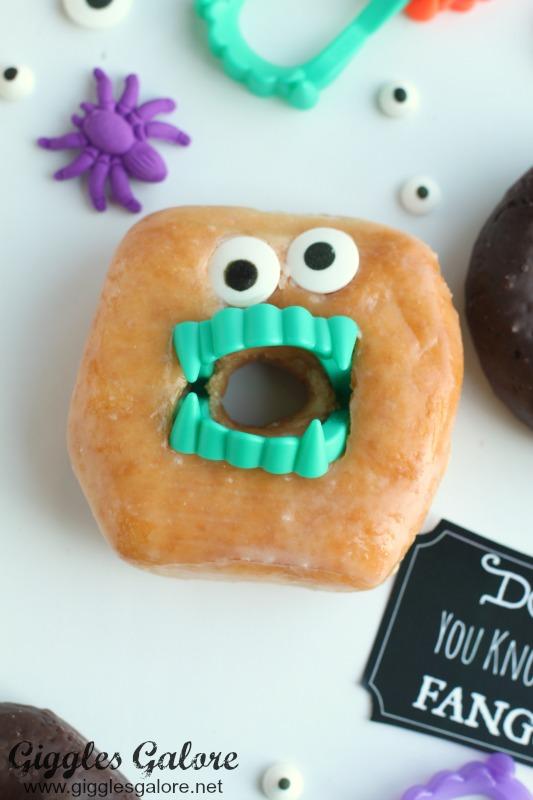 fangtastic-halloween-donut-treats