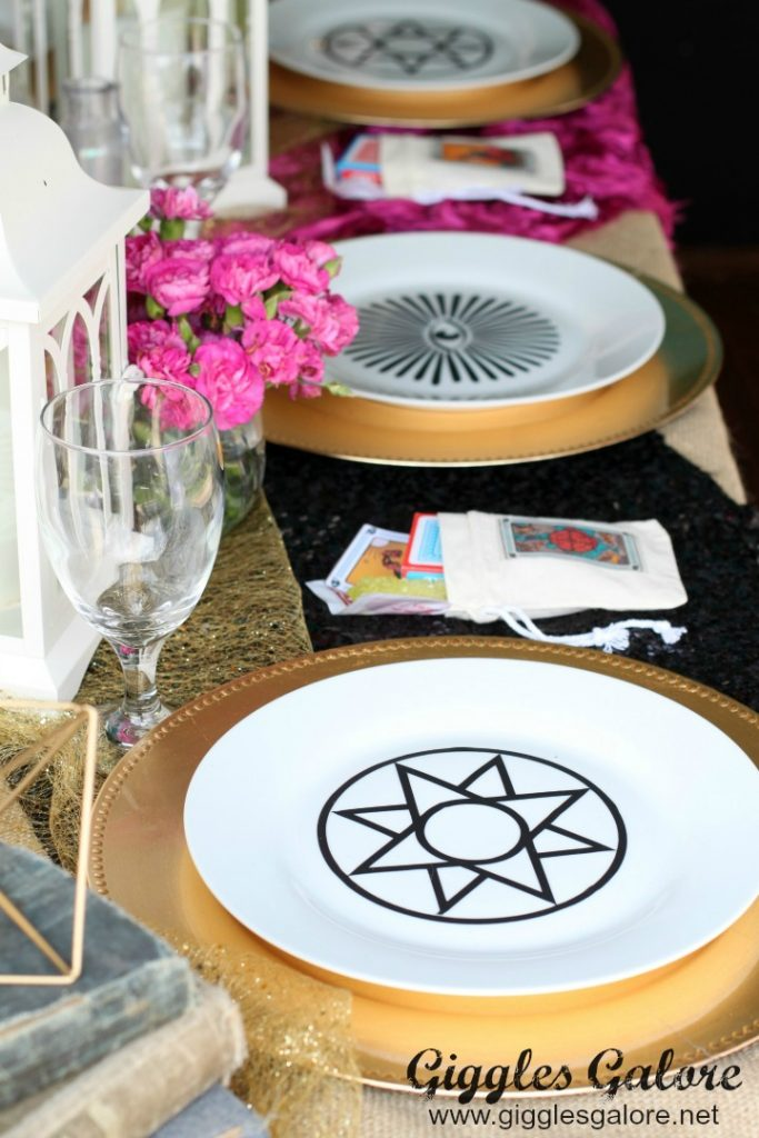 fortune-teller-dinner-party-place-settings_giggles-galore