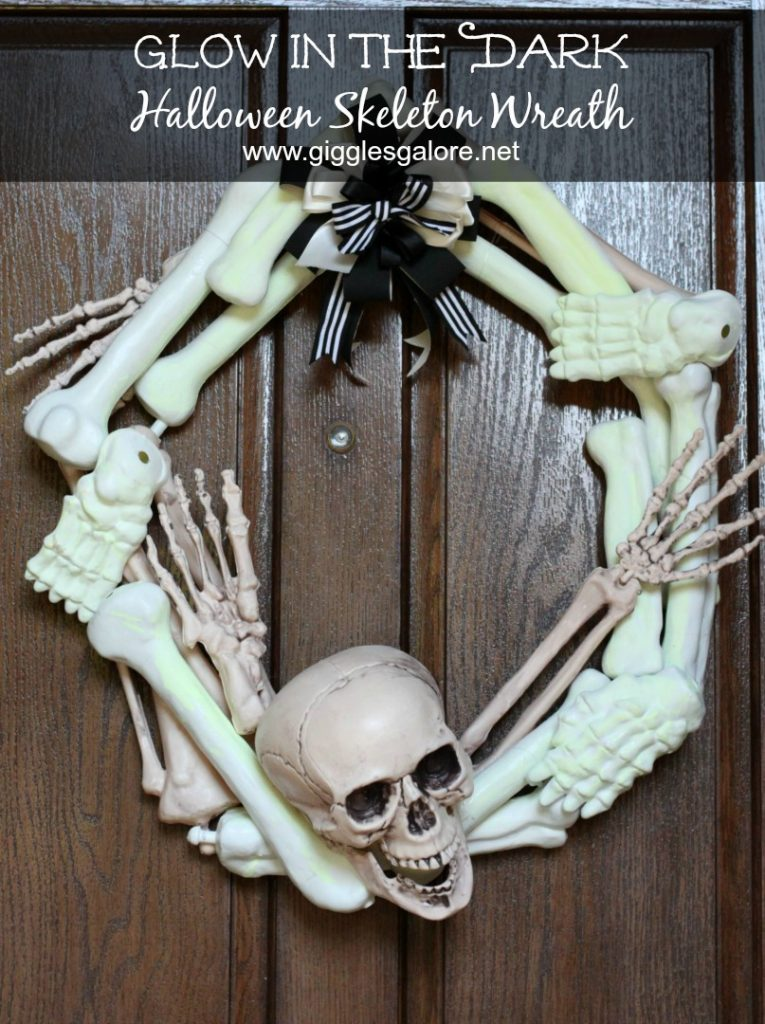 glow-in-the-dark-halloween-skeleton-wreath-on-door_giggles-galore