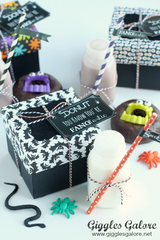 halloween-teacher-gift-fangtastic-donuts