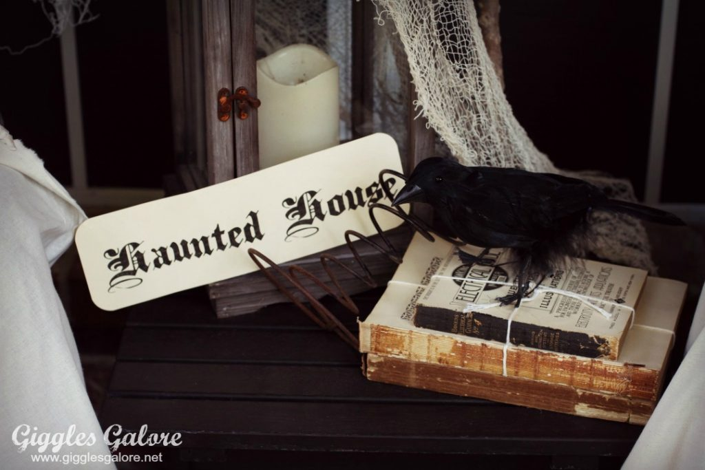 haunted-house-crow_giggles-galore