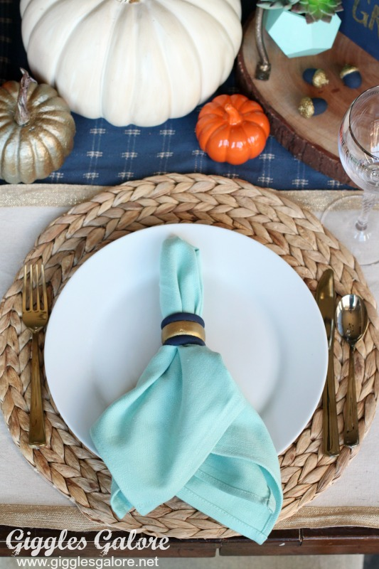 painted-wood-napkin-rings_thanksgiving-table-setting
