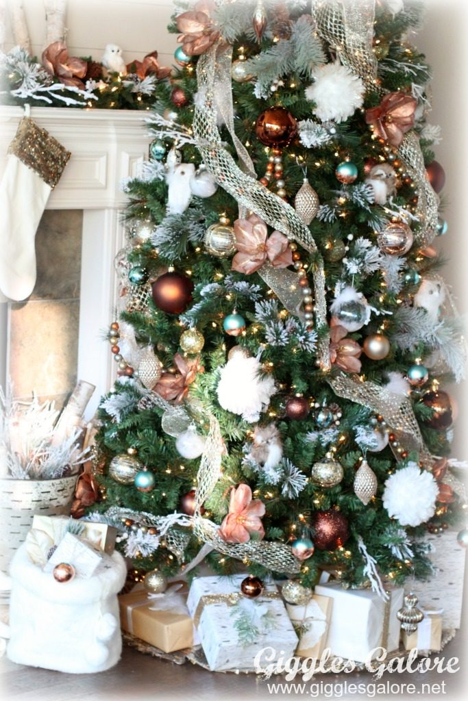 dreamy farmhouse christmas tree - Farmhouse Christmas Decorating Ideas