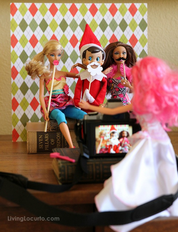 Elf Photo Booth, Elf on the Shelf Ideas via Giggles Galore